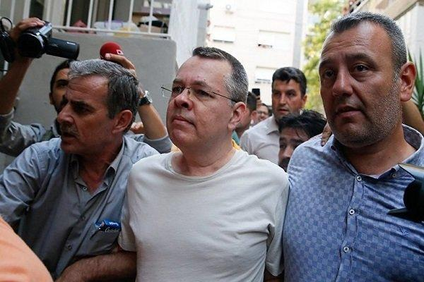 احتمال آزادی کشیش آمریکایی دستگیر شده در ترکیه در قبال لغو تحریم