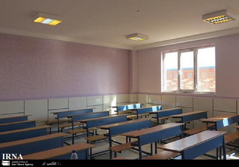 مدارس و مراکز آموزش عالی آبادان شنبه تعطیل شد