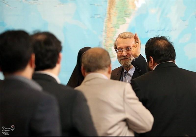 بازدید رئیس مجلس شورای اسلامی از نمایشگاه مشترک ایران و چین در قم