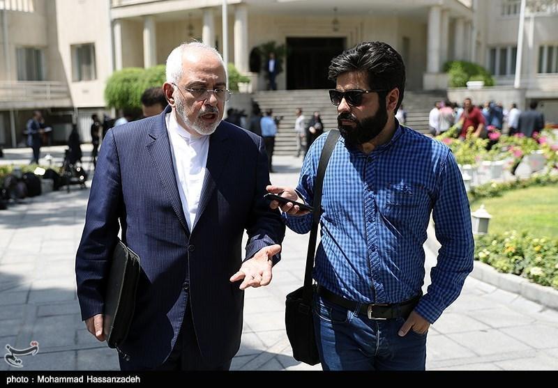 ظریف در مصاحبه با خبرنگاران: مقامات ایران و آمریکا در نیویورک دیدار نمی نمایند، عمان پیامی از طرف آمریکا نداده است