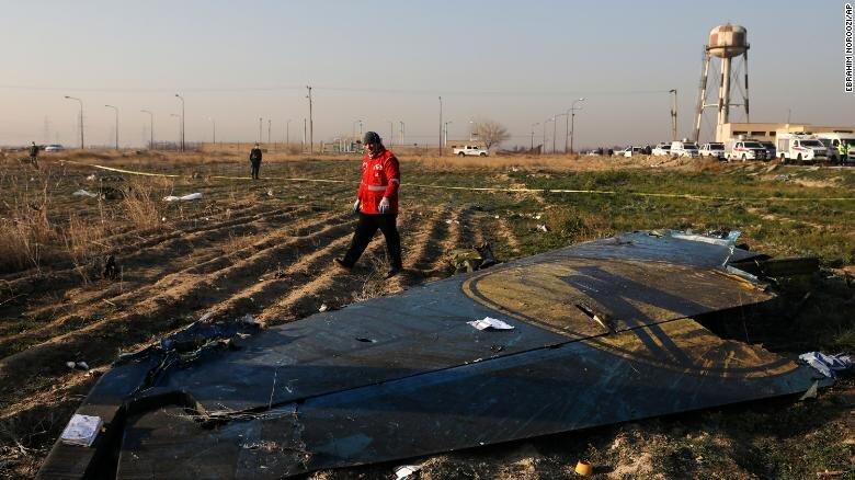 انتشار فایل صوتی مکالمه برج مراقبت فرودگاه امام خمینی با خلبان پرواز آسمان هنگام شلیک موشک به هواپیمای اوکراینی ، سازمان هواپیمایی: دیگر هیچ سندی به آنها نمی دهیم