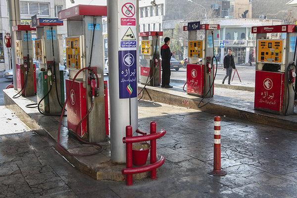 کاهش مصرف بنزین جایگاه های سوخت را به مرز تعطیلی برد