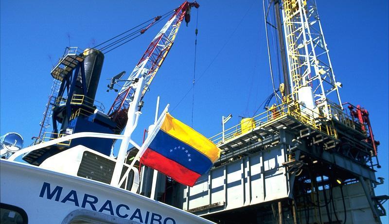 افت فراوری نفت ونزوئلا به 300 هزار بشکه در روز