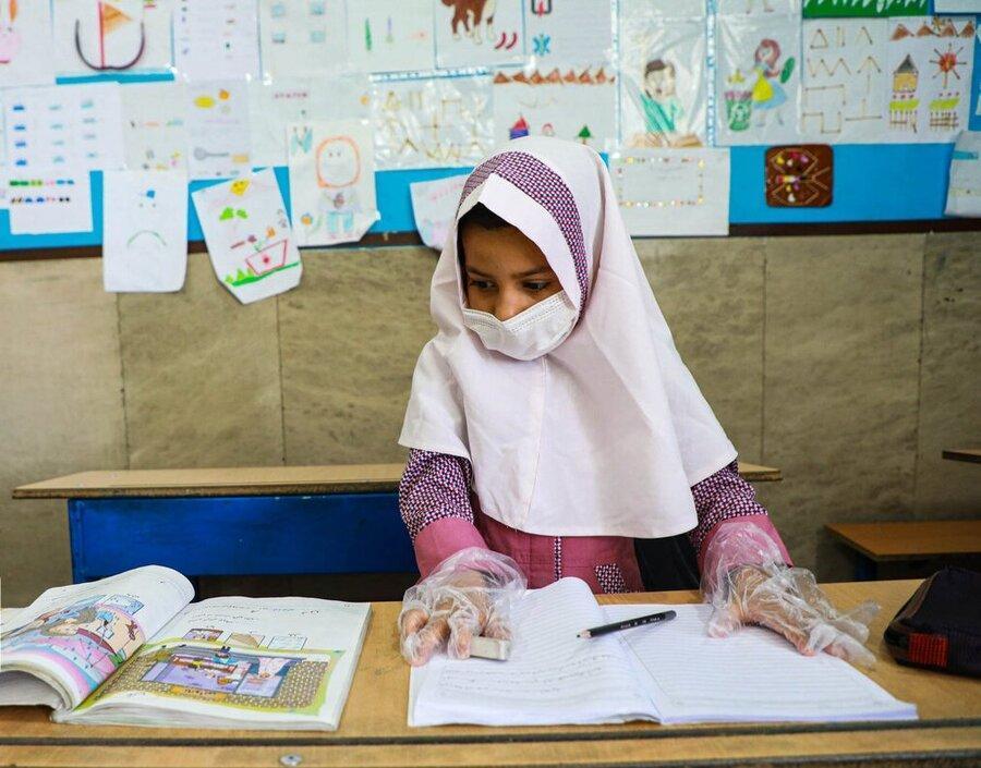 دانش آموزان مناطق سفید هم گروه بندی شدند ، معاون وزیر آموزش و پرورش: خانوده ها بگذارند بچه ها زندگی در شرایط سخت را تجربه نمایند!