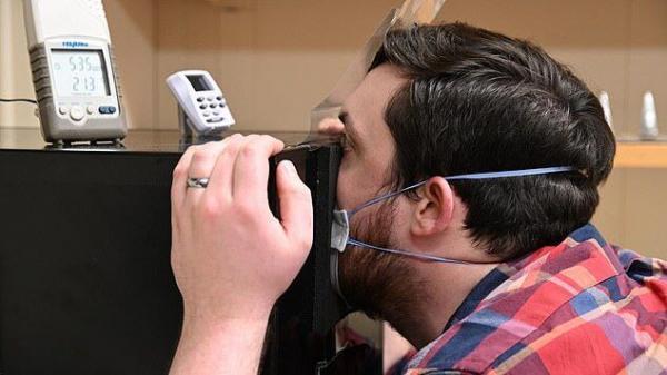 خبرنگاران رطوبت داخل ماسک انتشار کووید-19 به ریه ها را محدود می کند