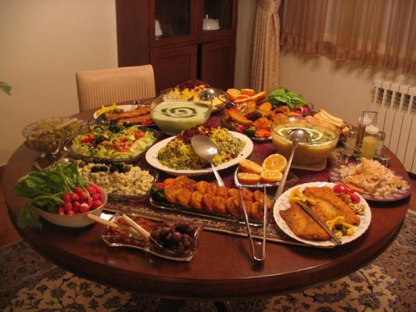 10 پیشنهاد و ایده برای شام شب یلدا