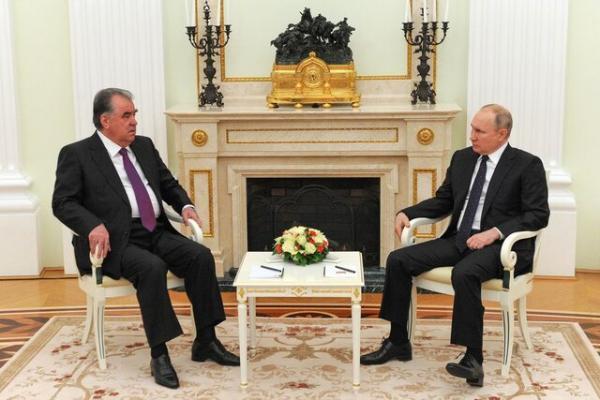 همزمان با افزایش تنش ها در افغانستان، پوتین متعهد به حمایت از تاجیکستان شد
