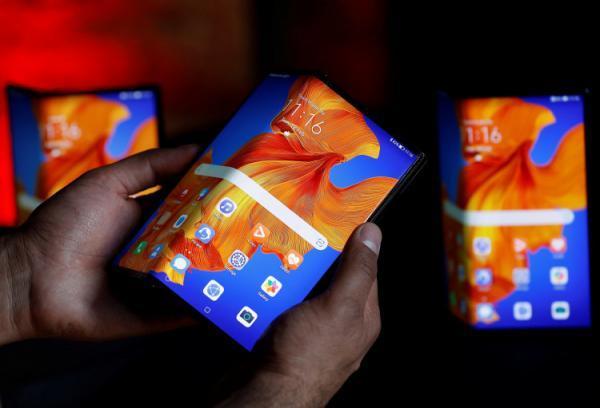 اتمام موجودی گوشی تاشوی Huawei Mate Xs در چند ثانیه